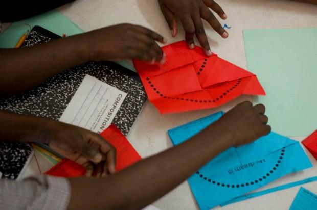 Aprendiendo y enseñando a plegar el origami