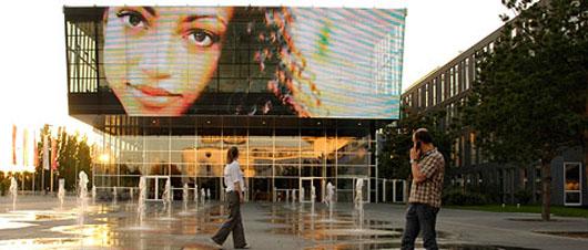 media-facade2