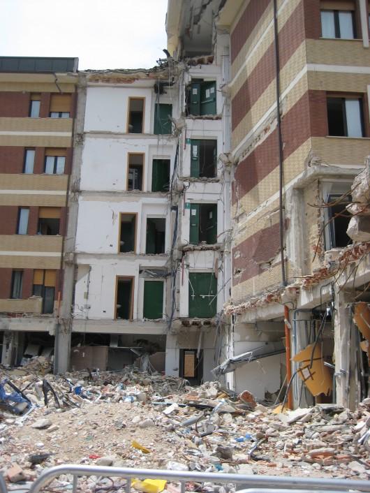 l'aquila terremoto: la casa dello studente