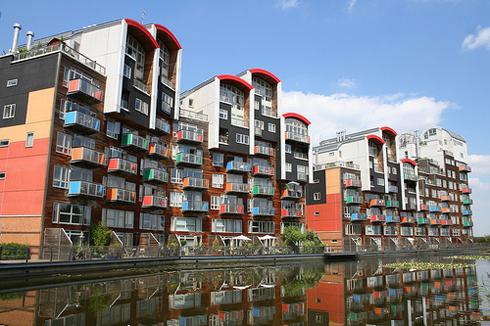 01_Millenium_Village,_Greenwich,_London