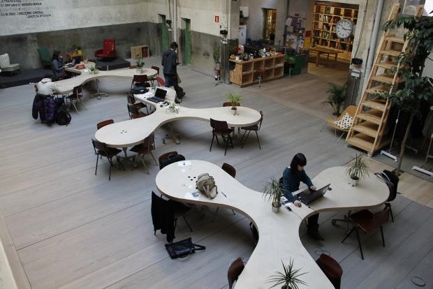Espacio p blico ecosistema urbano for Mobiliario de oficina definicion