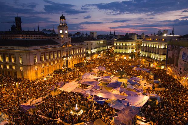 La Puerta del Sol durante el 15M - foto por Pablo G. Villaraco