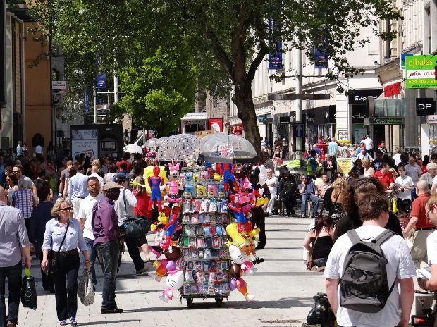 Queen Street en un día de verano - Foto: Jon Candy
