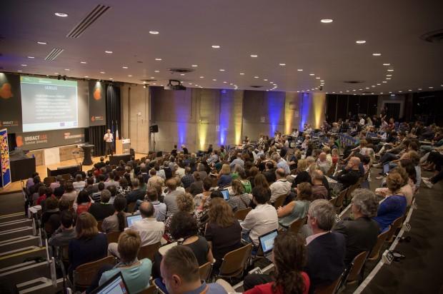 Salón de actos durante una de las charlas - Foto: URBACT