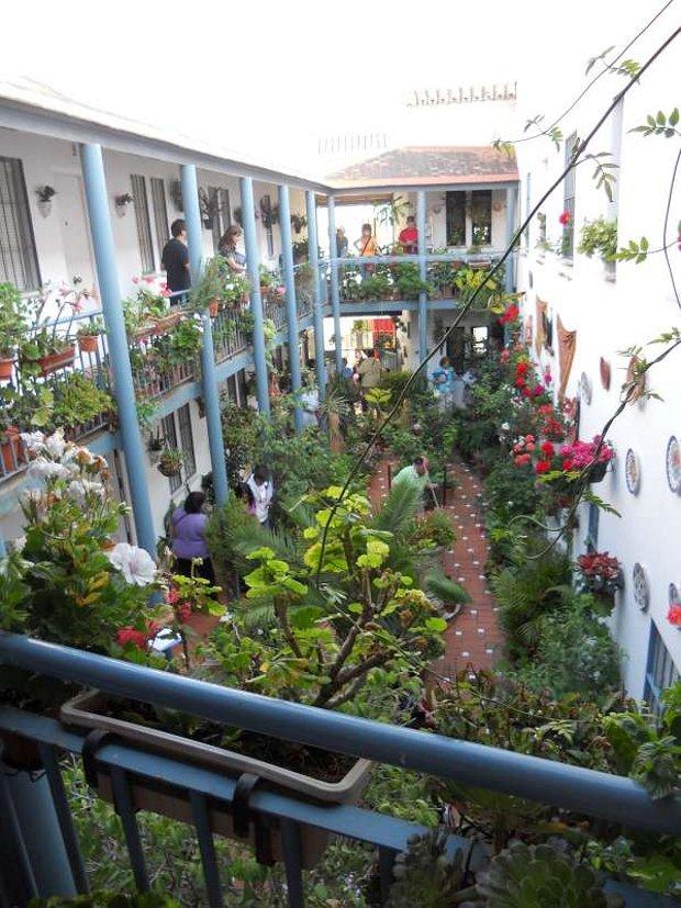 Vista de uno de los patios colectivos o corralones – Imagen por USER Málaga