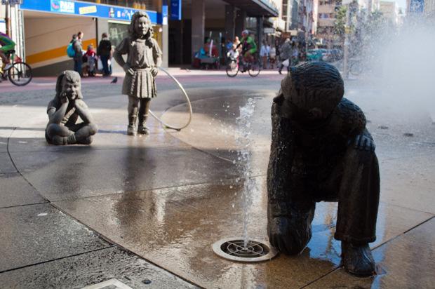 Fuente en Rúa Peregrina, símbolo de un modelo de ciudad - Foto por Diana Piñeiro