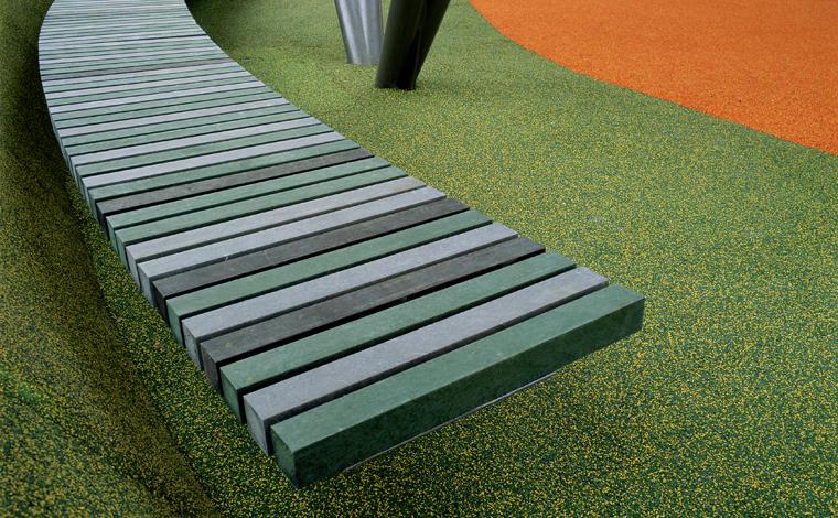 Madertec piezas de pl stico reciclado ecosistema urbano for Mobiliario exterior plastico