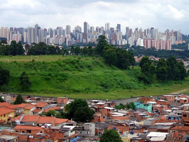 Favela Jaqueline, do distrito de Vila Sônia (São Paulo, Brasil) - by Dornicke