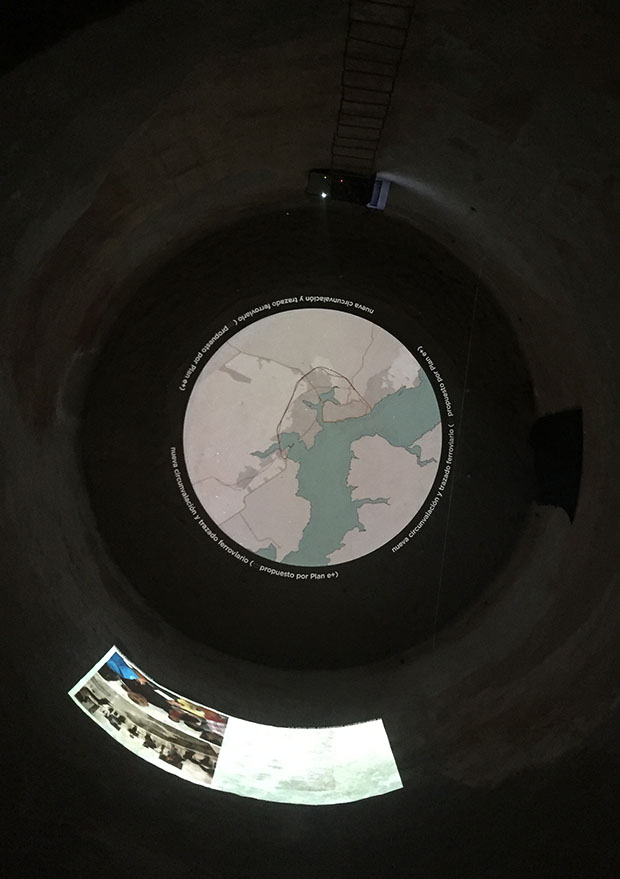 Instalación terminada vista desde la ubicación del proyector - foto: Keiji Ishibashi