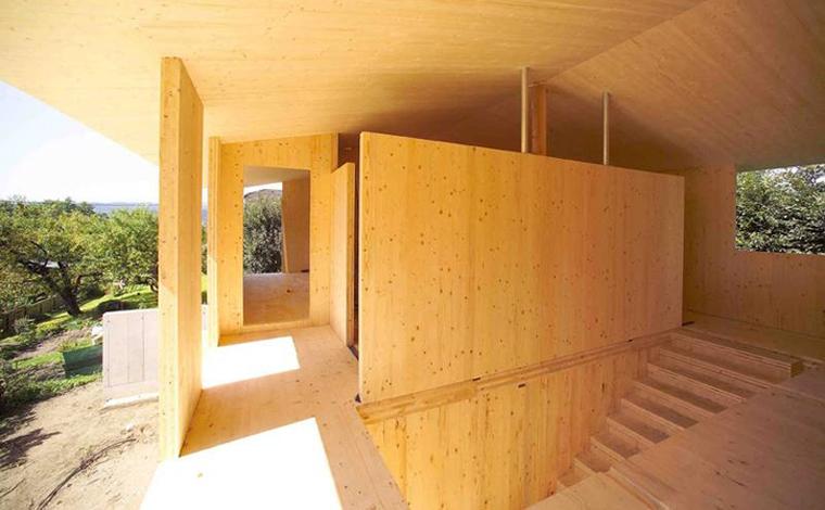 Paneles de madera contralaminada ecosistema urbano for Paredes de madera interior casa