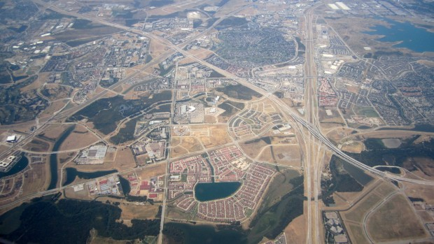 Las Colinas, aerial - by AlbertHerring - wikimedia commons