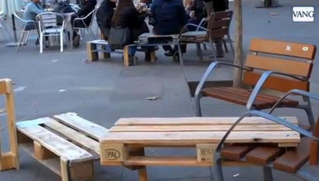 Los vecinos de Sants reivindican la calle como espacio de relación