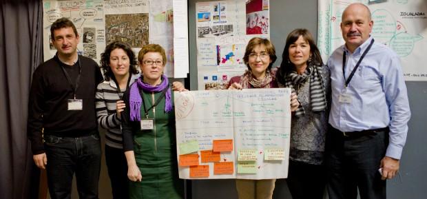 ... y El grupo de Gijón exponiendo los resultados