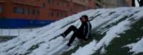 jugando en el ecobulevar nevado