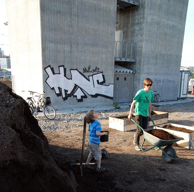 Working at Herligheten - Photo by Christoffer Olavsson Evju