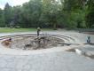 Juego con agua y arena en Tierpark, zoo de Berlín Este, en Friedrichsfelde. Foto: M.Cabrera