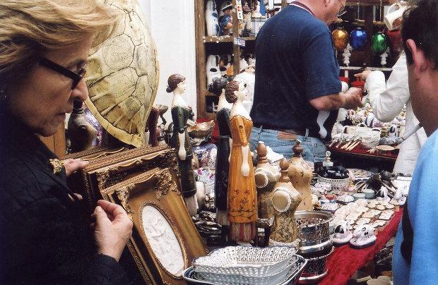 Mercado de antigüedades de Portobello Road, Londres | foto por Genial23 | CC BY-ND | clic para ver original en Flickr