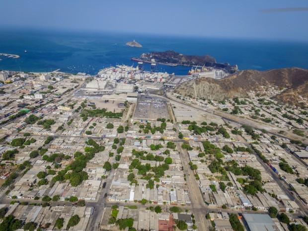 Vista aérea del barrio Pescaíto y el puerto de Santa Marta. (Archivo BID)