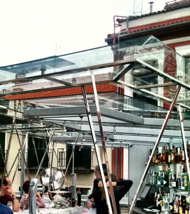 La terraza: diseño actual y vistas al barrio - Foto por Emilio Canosa - Clic para ver original