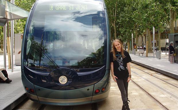 Tranvía en Burdeos - Foto por Jerzy Kociatkiewicz en Flickr - clic para ver original
