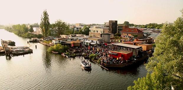 De Ceuvel, regeneración medioambiental desde la activación - Imagen vía www.wethecity.nl